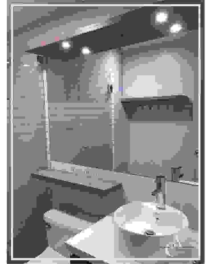 REMODELACION: BAÑO DE VISITA ✨ Baños modernos de Arisu Cavero - Arquitectura de Interiores Moderno