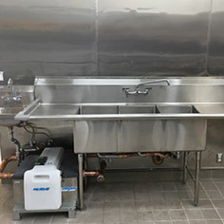 Commercial Plumbing Repairs & Installations Industrial style kitchen by Elite Plumbers Industrial