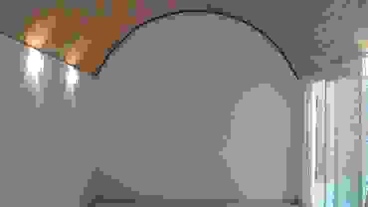 Sala de juntas Edificios de oficinas de estilo moderno de CESAR MONCADA SALAZAR (L2M ARQUITECTOS S DE RL DE CV) Moderno