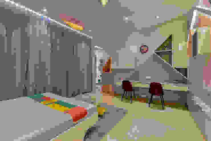 Pavitra Nandan Modern style bedroom by Innerspace Modern