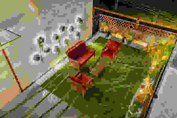 Pavitra Nandan Modern balcony, veranda & terrace by Innerspace Modern