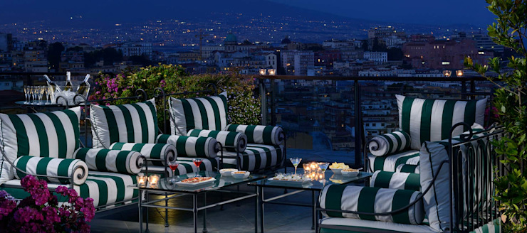 Outdoor sofas and armchairs VillaDorica Balconies, verandas & terraces Furniture آئرن / اسٹیل Green