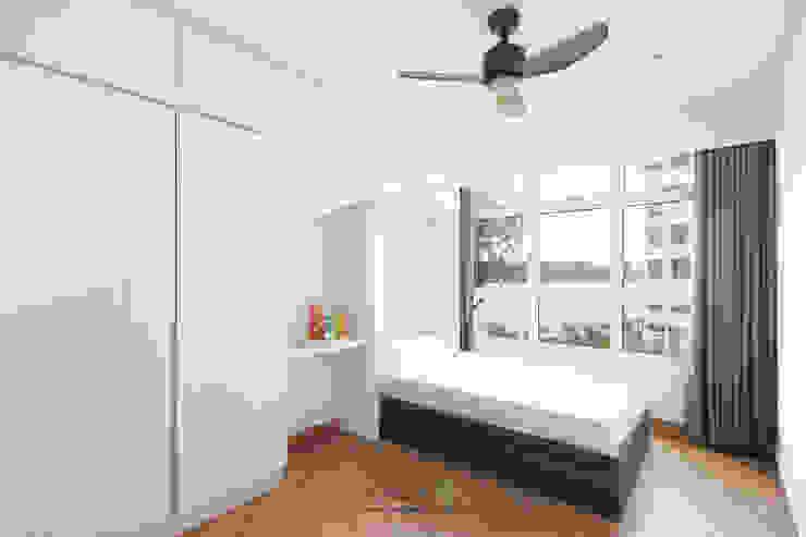Punggol Bayview Minimalist nursery/kids room by Ovon Design Minimalist