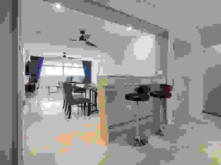 Pasir Ris Ovon Design Modern dining room