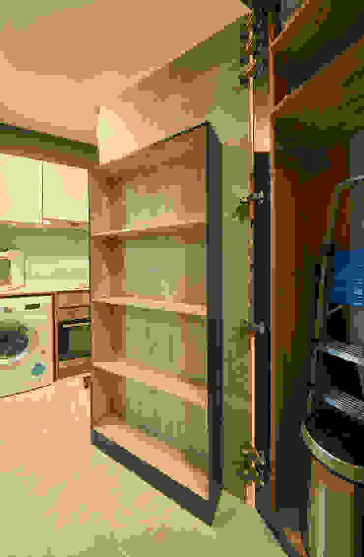Kingsford Waterbay Ovon Design Modern kitchen