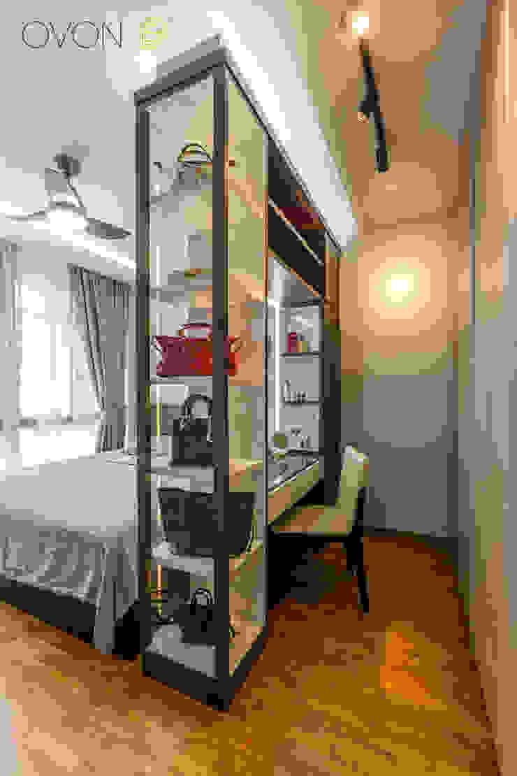 Anchorvale Treasure Crest Modern style bedroom by Ovon Design Modern