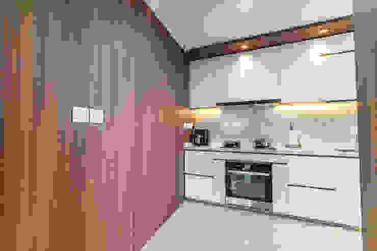 Toa Payoh Rise Ovon Design Modern kitchen