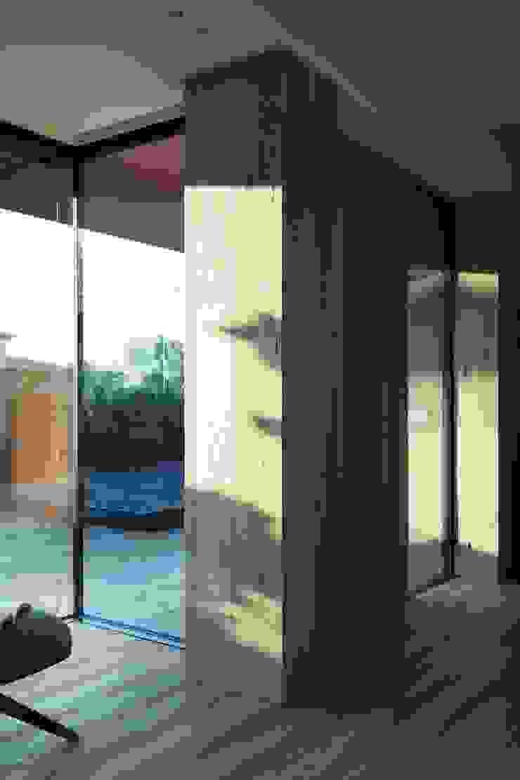 Didonè Comacchio Architects Moderner Flur, Diele & Treppenhaus