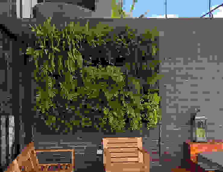 Jardín Vertical LLANOGRANDE URRETA Arquitectura del Paisaje Jardines de estilo tropical