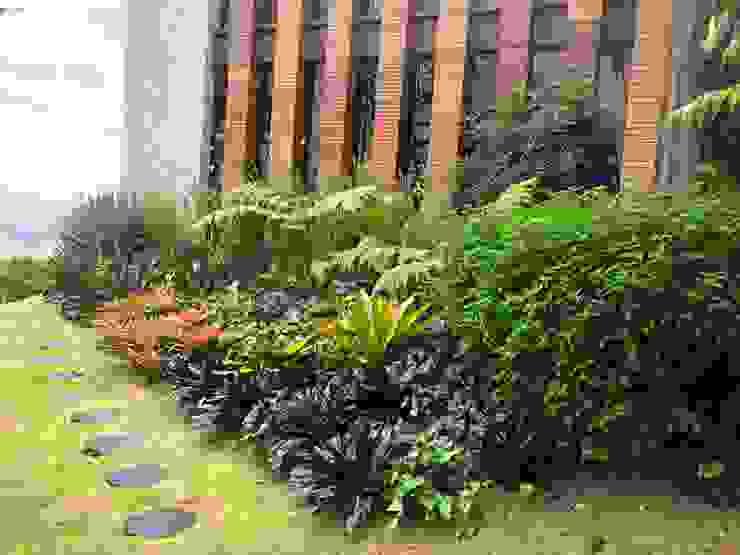 EL JARDÍN ES EL VESTIDO DE LA ARQUITECTURA URRETA Arquitectura del Paisaje Jardines de estilo tropical