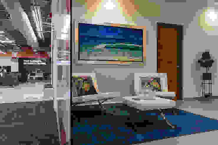 Oficina de Dirección General de Soma & Croma Moderno Compuestos de madera y plástico