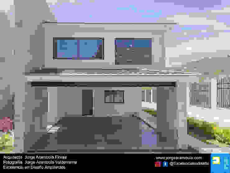 Residencia Copal Excelencia en Diseño Garajes modernos Granito Negro