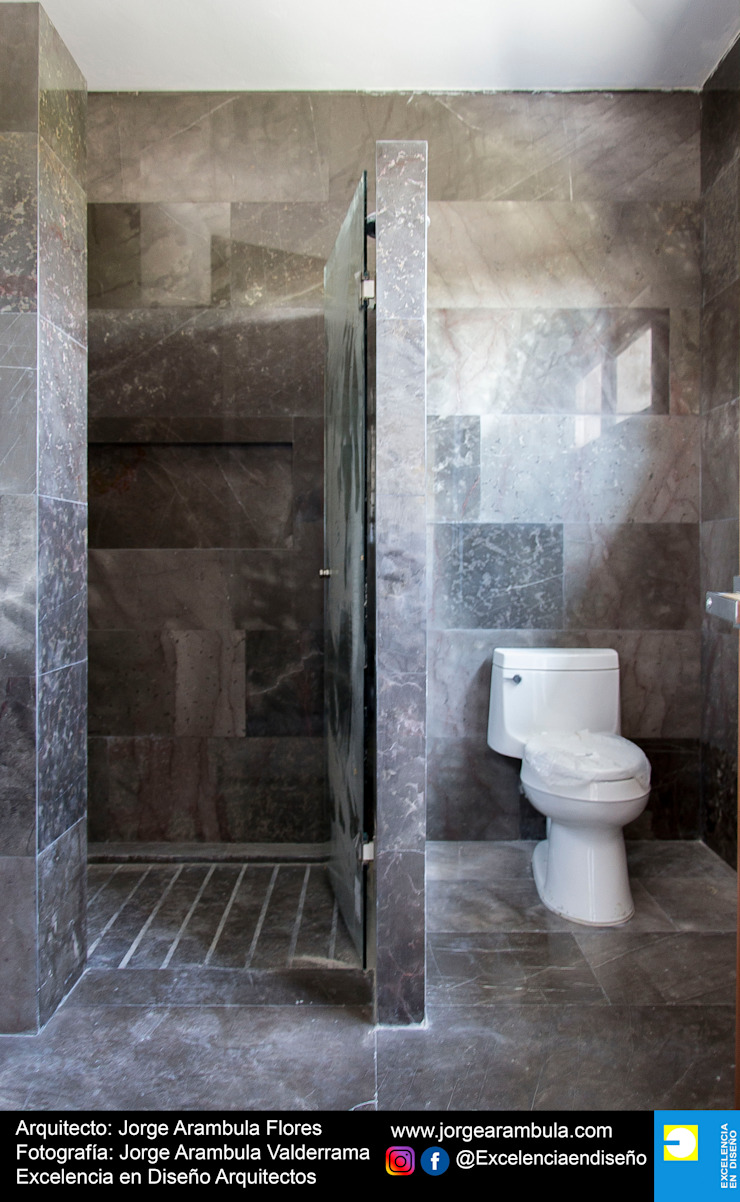 Residencia Copal Excelencia en Diseño Baños modernos Mármol Negro