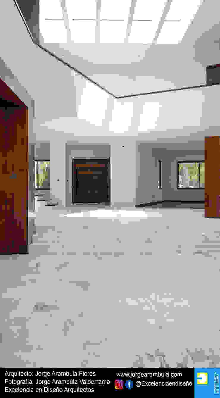 Residencia Copal Excelencia en Diseño Pasillos, vestíbulos y escaleras modernos Mármol Blanco
