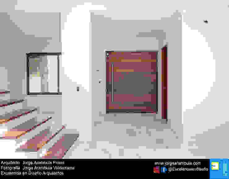 Residencia Copal Excelencia en Diseño Pasillos, vestíbulos y escaleras modernos Mármol