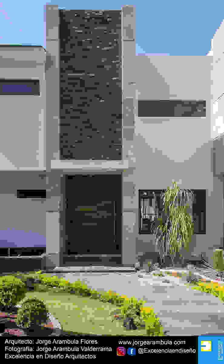 Residencia Copal Excelencia en Diseño Puertas principales Madera