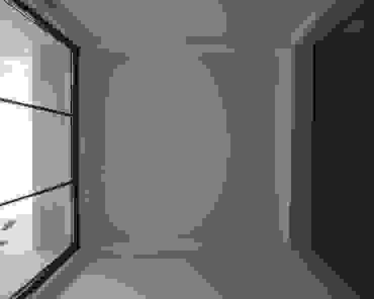 Minimalist windows & doors by goodmood - Soluções de Habitação Minimalist Metal