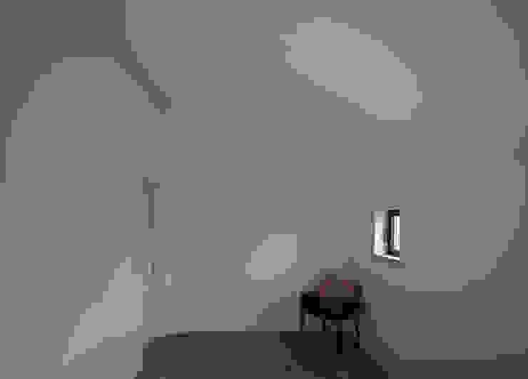 Minimalist bedroom by goodmood - Soluções de Habitação Minimalist Concrete