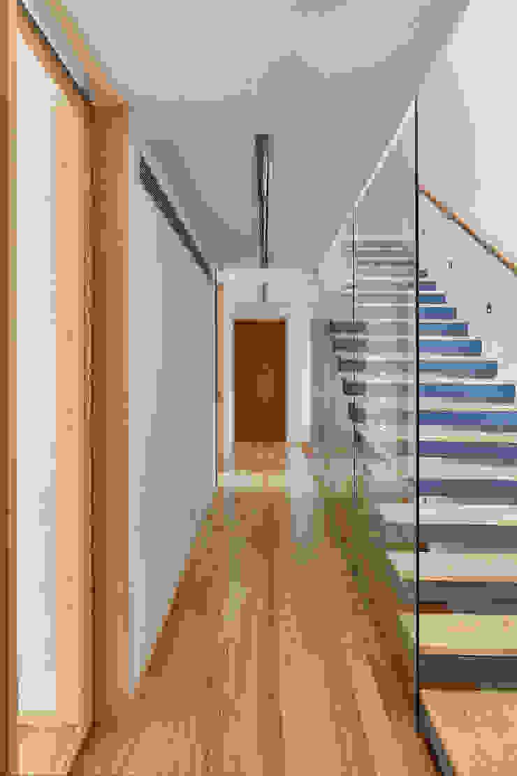CM House Atelier d'Arquitetura Lopes da Costa Escaleras