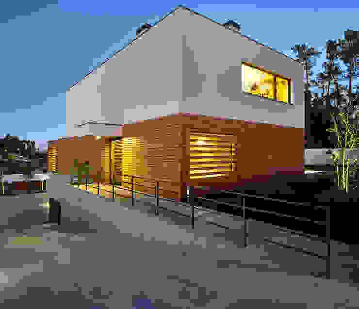 CM House Atelier d'Arquitetura Lopes da Costa Fincas