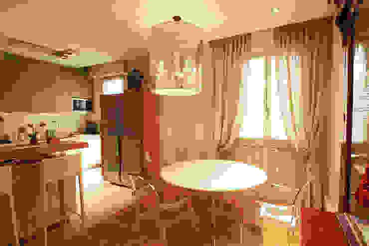 Interior design completo per un in appartamento pedecollinare a Bologna, PMC di Diletta Evangelisti Classico
