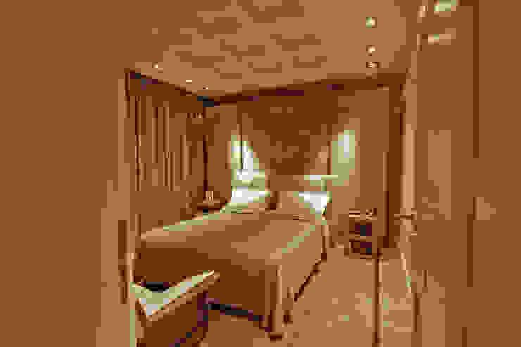 Interior design completo per un in appartamento pedecollinare a Bologna, PMC Camera da letto in stile classico di Diletta Evangelisti Classico