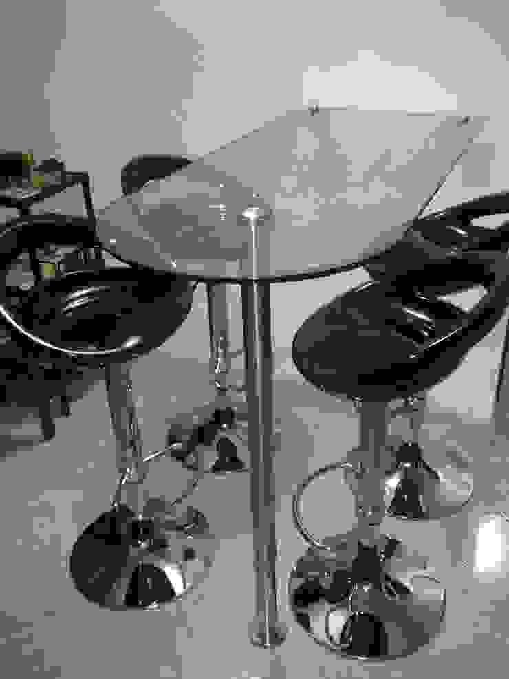 Barra en vidrio templado y acero inoxidable de Aluminios CMC Moderno Vidrio
