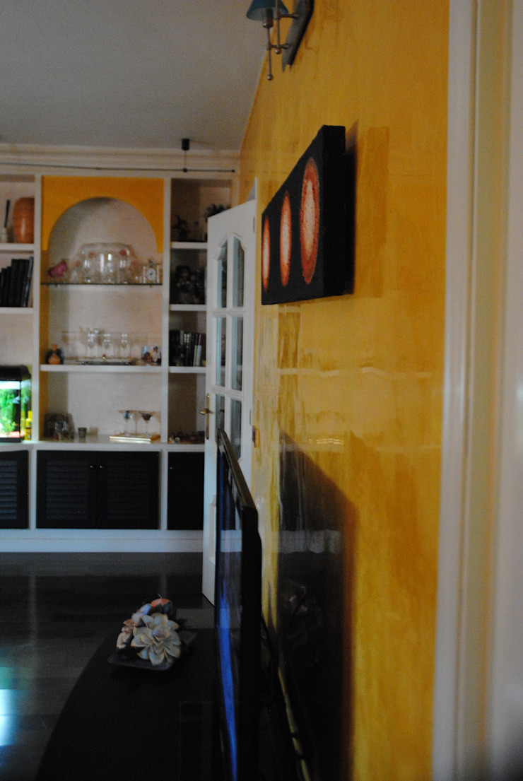 Pintores Juan Jiménez Living room Marble Yellow