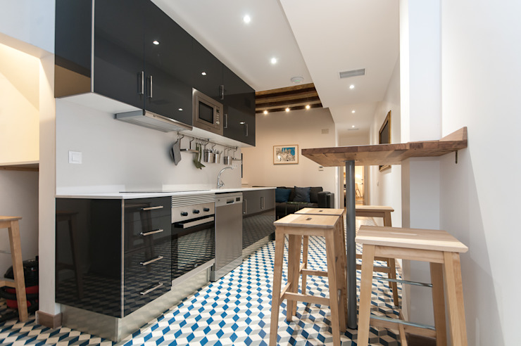 Cocina Cocinas de estilo moderno de Renova-T Moderno Cerámico