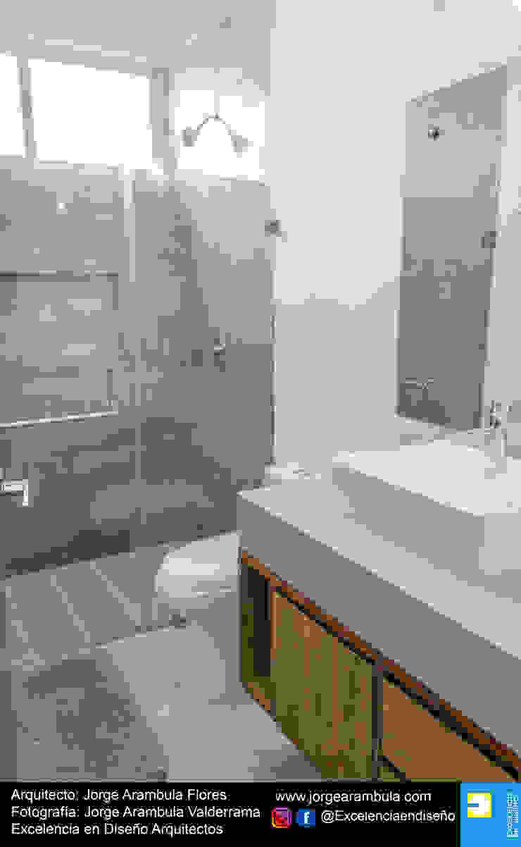 Casa Alejandra Excelencia en Diseño Baños modernos Mármol Beige