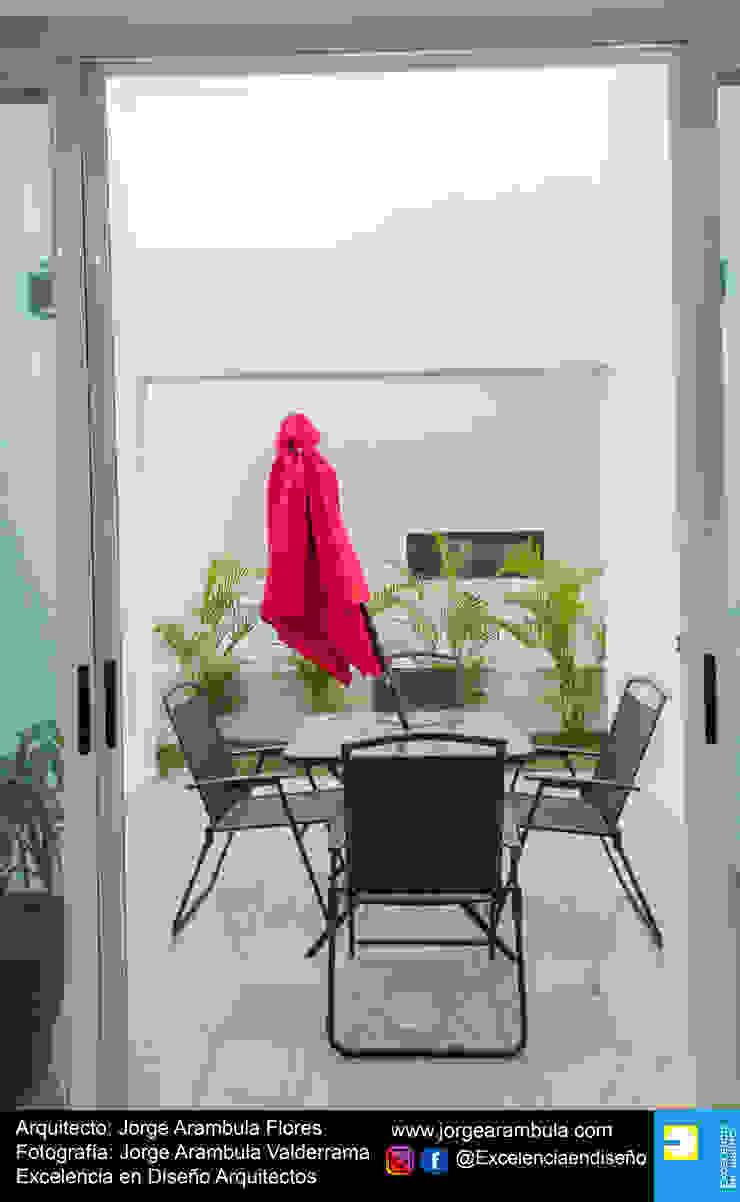 Casa Alejandra Balcones y terrazas modernos de Excelencia en Diseño Moderno