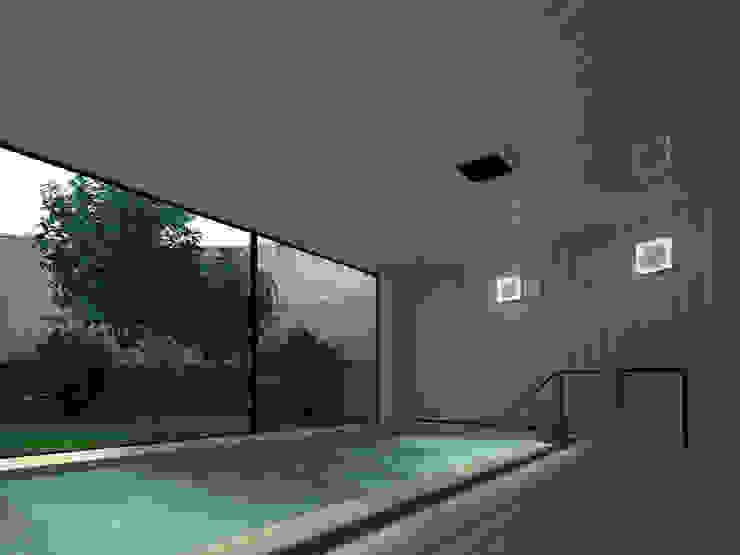 Modern Terrace by JIMDR Arquitectos Modern