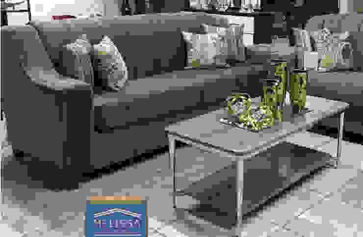 Sala café con mesa de centro de vidrio Melissa Furniture Design Salones modernos