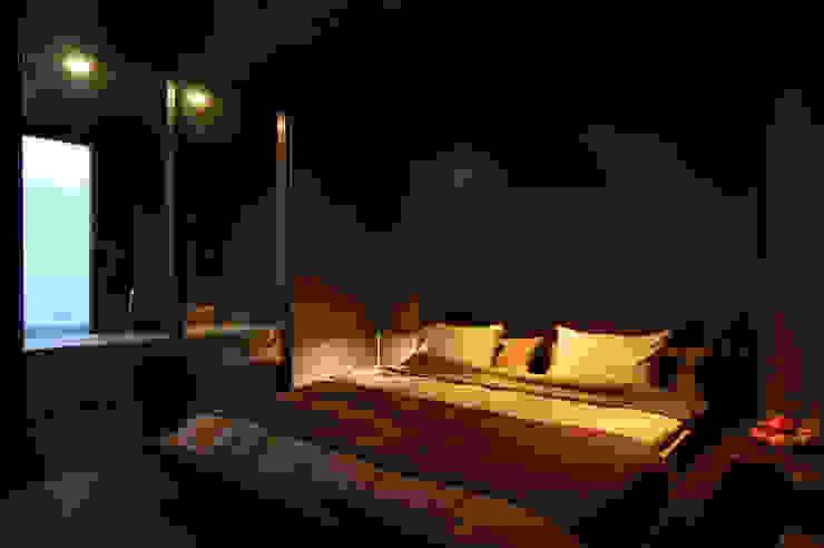NASU CLUB Small bedroom Wood Grey