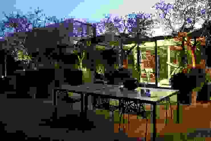 LOFT Balcone, Veranda & Terrazza in stile industriale di mg2 architetture Industrial