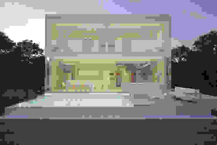 Vista Posterior 21arquitectos Casas de estilo minimalista