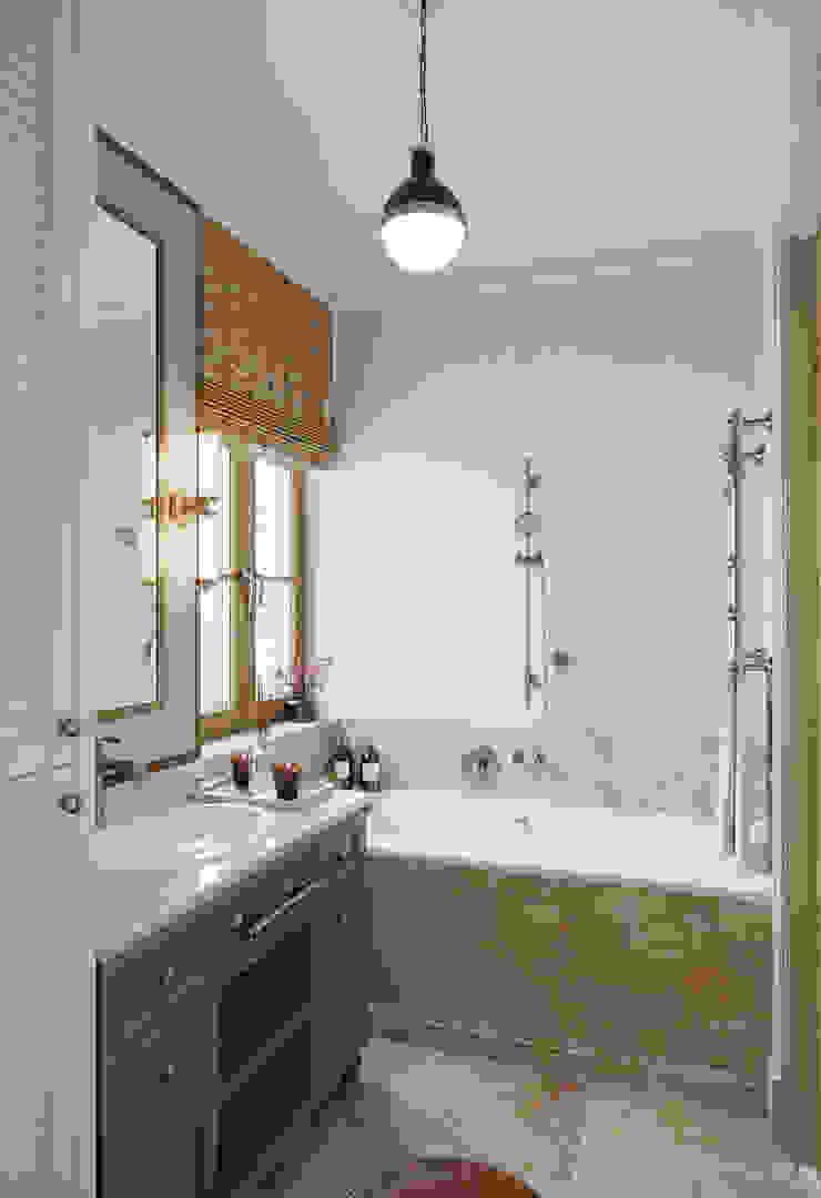 MARION STUDIO Mediterranean style bathrooms
