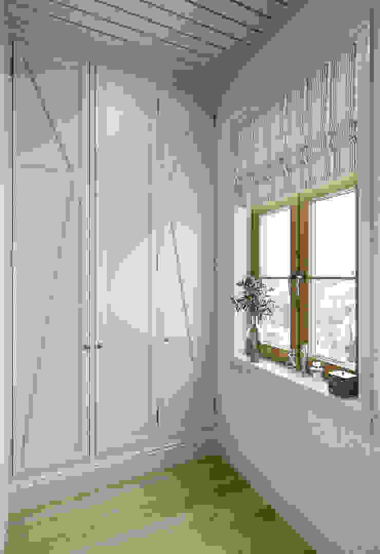 MARION STUDIO Mediterranean style dressing room