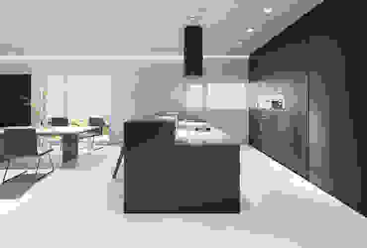 Дом в Латошинке 160м2 дизайн и 3д визуализация Встроенные кухни Изделия из древесины Белый