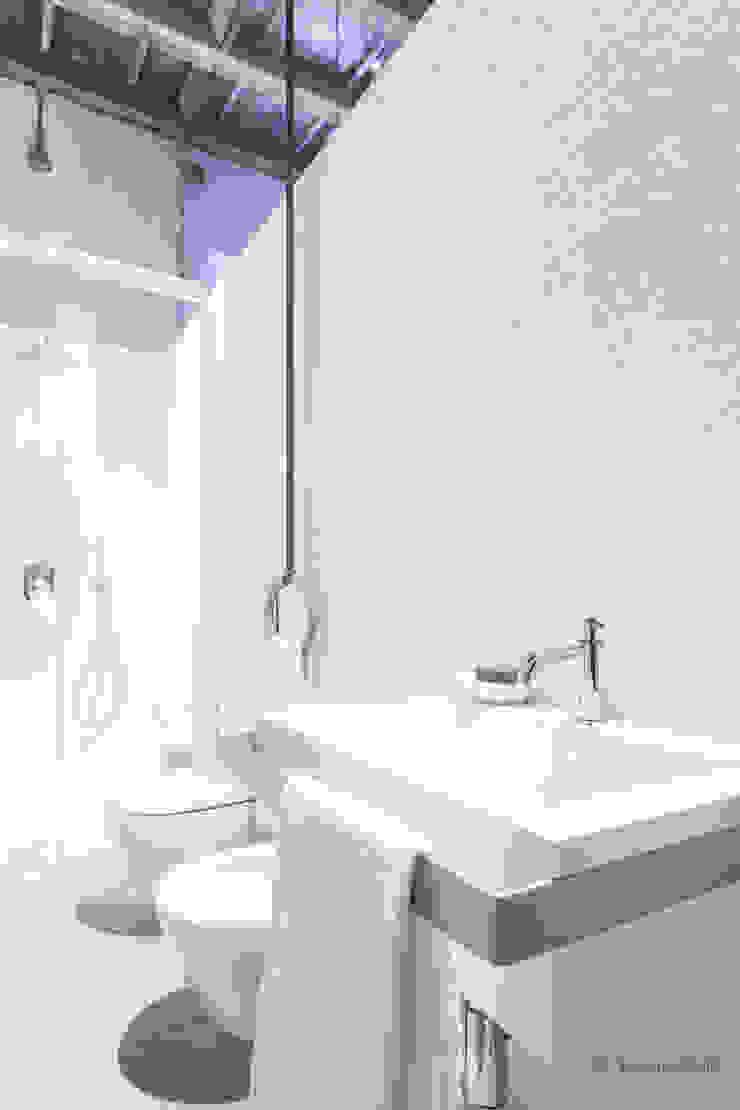 Domenico Mori Minimalist style bathroom