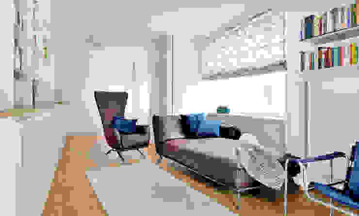 Braune Ledercouch und Sessel Heerwagen Design Consulting Ausgefallene Arbeitszimmer