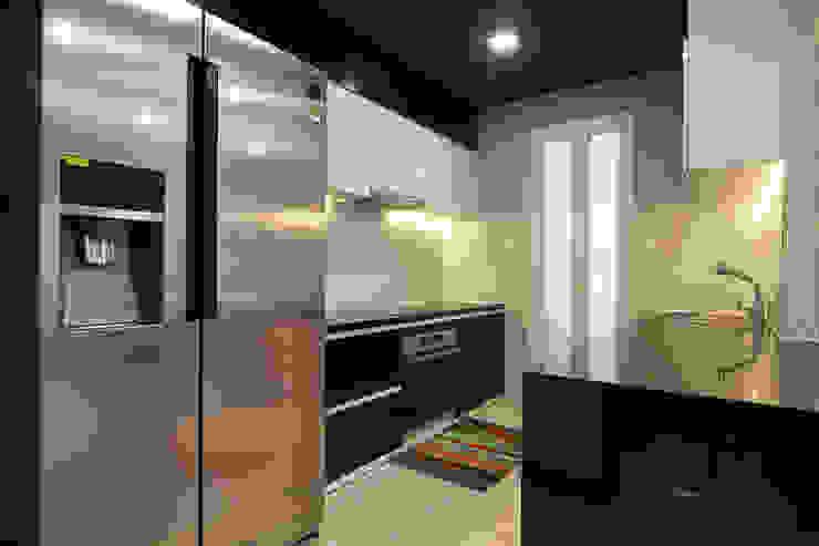 Modern Kitchen by Công ty trang trí nội thất RIM Decor Modern
