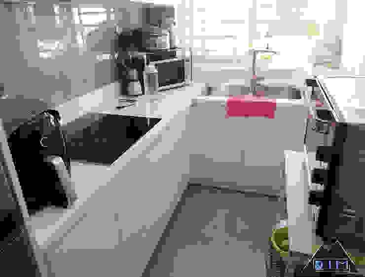 Trang trí nội thất căn hộ Nguyễn Đình Chính Apartment Nhà bếp phong cách hiện đại bởi Công ty trang trí nội thất RIM Decor Hiện đại