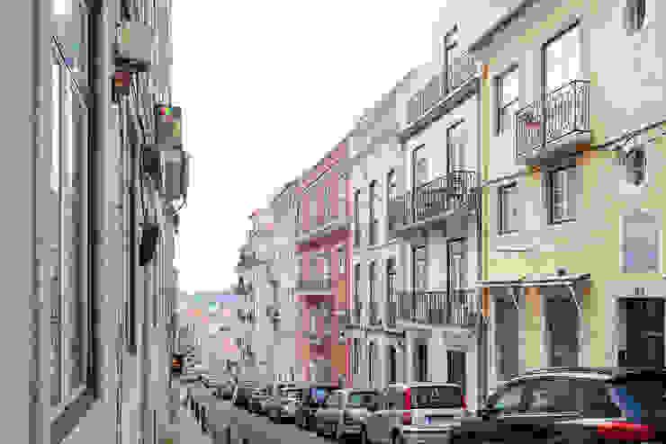 Apartamento Principe Real- Lisboa, Portugal por GGArqui Moderno