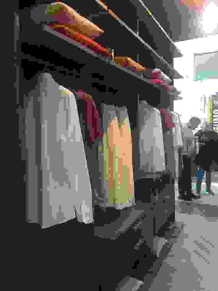 Habitaciones modernas de Arredi Grasso srl Moderno Aglomerado