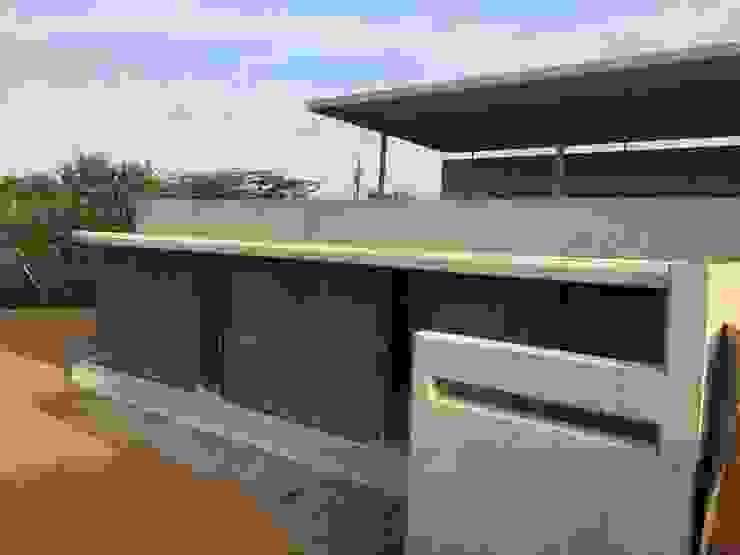 Hawaan Estate Modern houses by Trak Construction Modern
