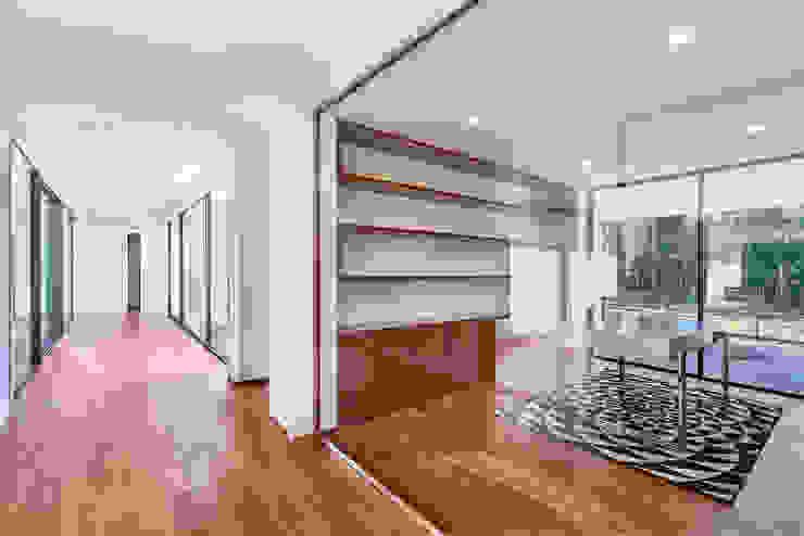 MC House Atelier d'Arquitetura Lopes da Costa Oficinas de estilo moderno Madera