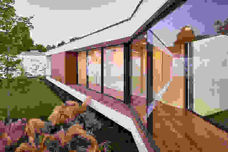 MC House Atelier d'Arquitetura Lopes da Costa Fincas