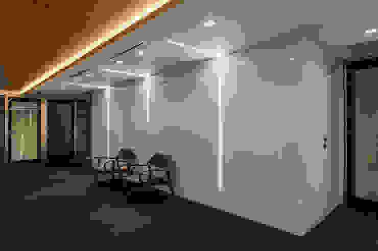 Detalhes Hall Social | Privativo Arquitetura Sônia Beltrão & associados Espaços comerciais minimalistas Vidro Branco