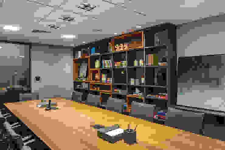 Sala de Reunião 3 | Biblioteca Arquitetura Sônia Beltrão & associados Espaços comerciais modernos Derivados de madeira Cinza
